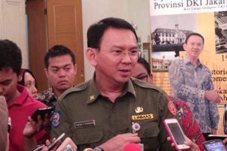 Gubernur DKI Jakarta Basuki Tjahaja Purnama saat wawancara wartawan, di Balairung, Balai Kota, Senin (12/10/2015).