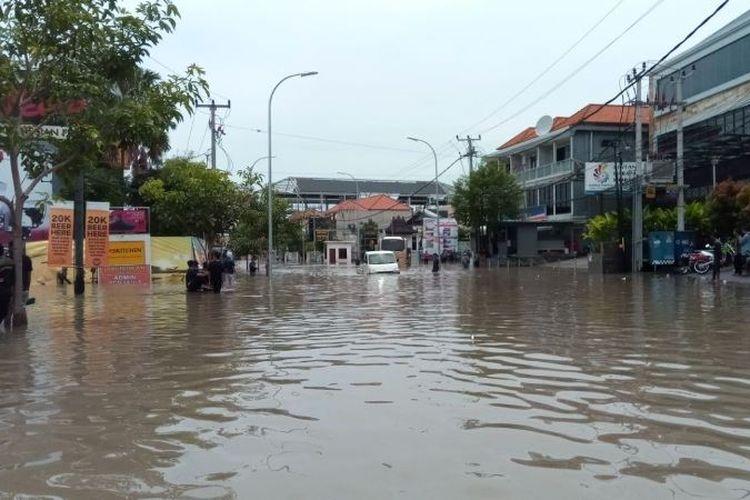 Sebagian wilayah di Bali terendam banjir akibat curah hujan yang tinggi.