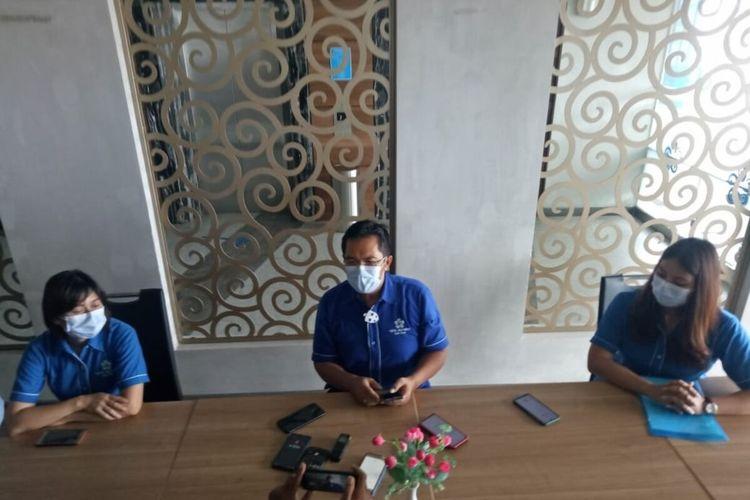 Manajer Hotel Brothers Frans Siswanto dalam konferensi pers di Solo Baru, Grogol, Sukoharjo, Jawa Tengah, Rabu (7/4/2021).