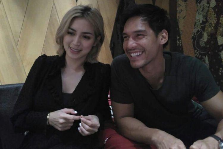 Presenter Jessica Iskandar dan model Richard Kyle saat ditemui di Marina Bay, Singapura, Rabu (19/12/2018) waktu setempat.