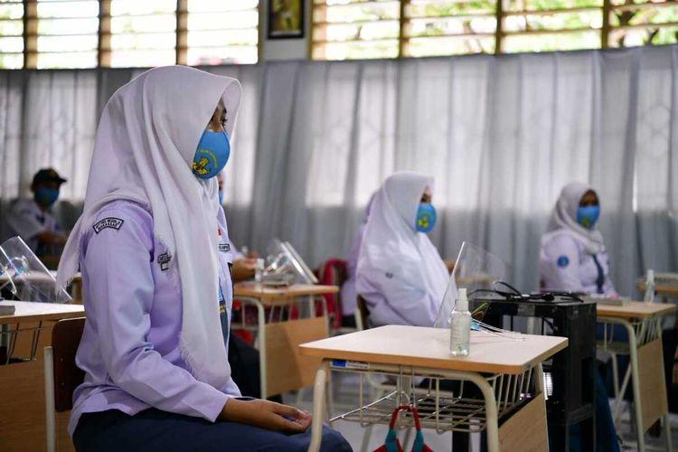 Belajar Tatap Muka Terbatas di SMA Negeri 21 Makassar, Jumat (9/4/2021).