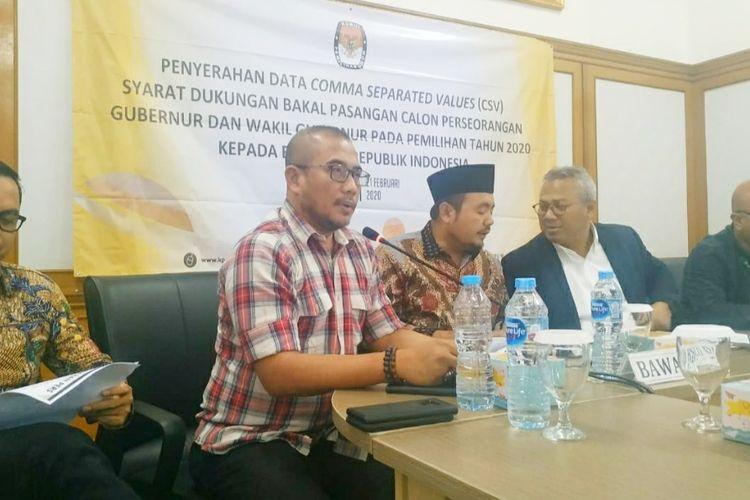 Komisioner KPU Hasyim Asyari saat konferensi di Kantor KPU, Jumat (21/2/2020).