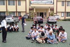 Polisi Amankan 129 Pelajar Bogor yang Rusak Mobil Dinas Kepolisian setelah Gagal ke Jakarta