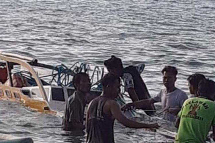 Kapal nelayan meledak