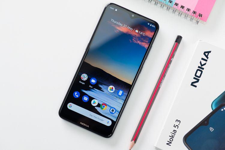 Nokia 5.3.(PhoneArena/Orhan Chakarov)
