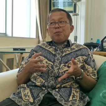 Wakil Ketua Tim Kampanye Nasional pasangan Joko Widodo-Maruf Amin (TKN) Arsul Sani saat ditemui di ruang kerjanya, Kompleks, Parlemen, Senayan, Jakarta, Selasa (26/3/2019).