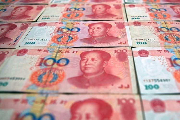 Uang yuan.