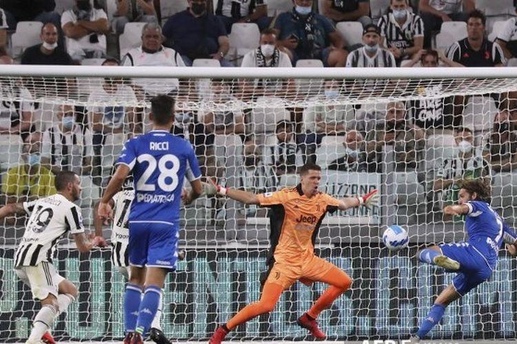 Leonardo Mancuso mencetak gol pembuka Empoli ke gawang Juventus pada laga pekan kedua Liga Italia 2021-2022 di Stadion Allianz, Minggu (29/8/2021) dini hari WIB.