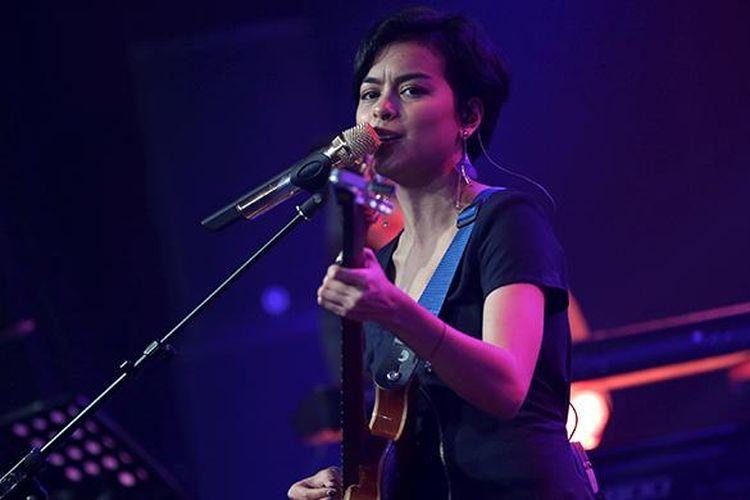 Eva Celia tampil pada Java Jazz Festival 2017 di JI Expo Kemayoran, Jakarta, Minggu (5/3/2017). Java Jazz Festival 2017 yang berlangusng selama tiga hari menampilkan musisi dari dalam dan luar negeri.