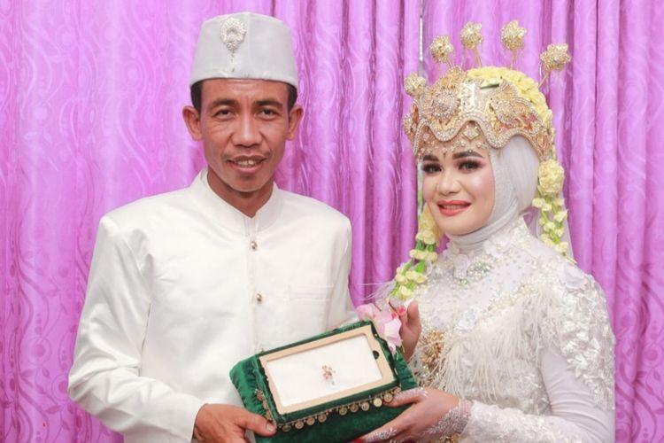 foto pernikahan Sukiman yang mirip Jokowi dengan Rohani