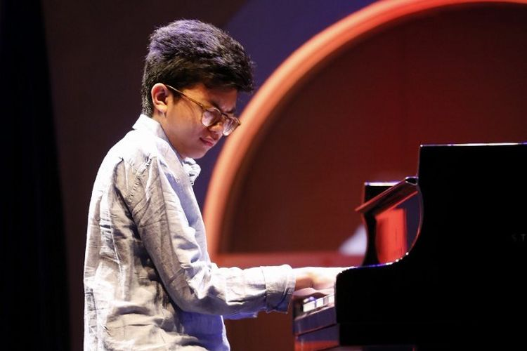 Pianis muda asal Indonesia  Joey Alexander tampil di International Jazz Festival di Ajaccio, Corsica.