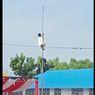 Cerita Santri Panjat Tiang Bendera di Hari Santri, Ada Insiden Sarung Melorot