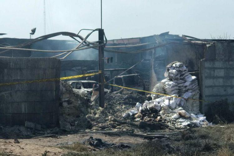 Kondisi gudang mercon yang terbakar di Tangerang, Jumat (27/10/2017).