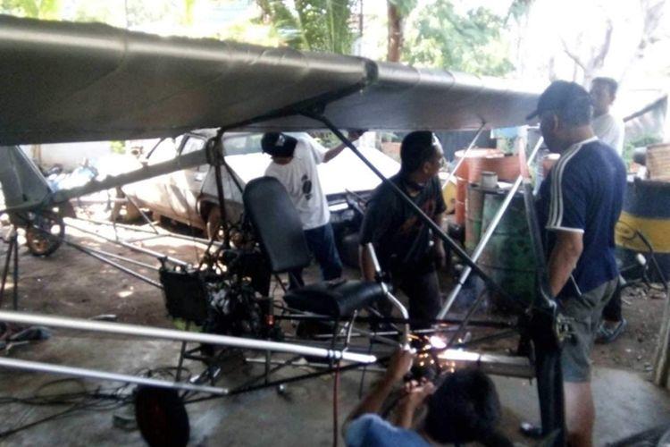 Tak Pernah Naik Pesawat, Montir Motor di Pinrang Rakit Pesawat Sendiri