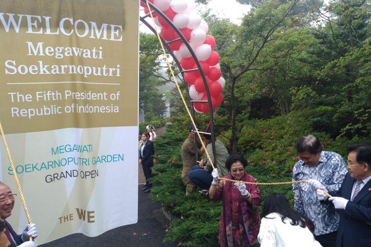 Presiden kelima RI Megawati Soekarnoputri meresmikan Megawati Soekarnoputri Garden di Jeju, Korea Selatan, Rabu (31/5/2017).