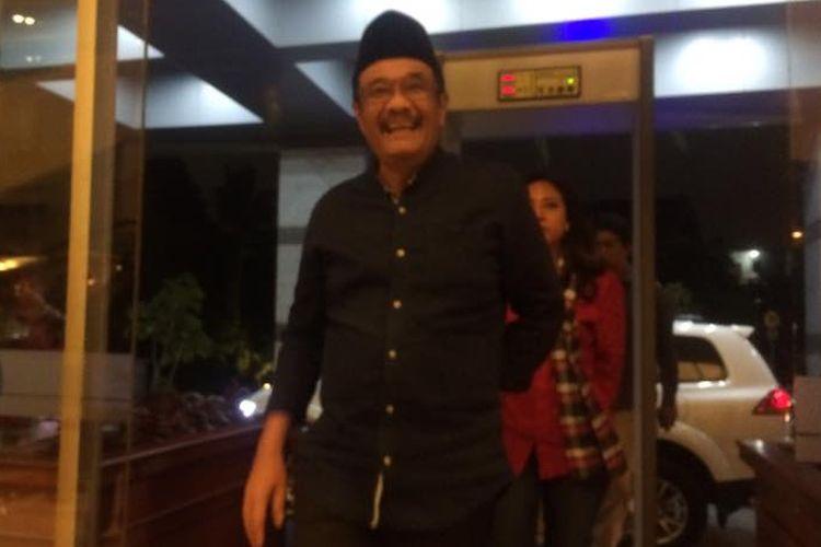 Cawagub DKI Jakarta Djarot Saiful Hidayat tiba di Hotel Bidakara untuk menikuti debat KPU, Rabu (12/4/2017).