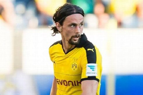 Dortmund Pinjamkan Neven Subotic ke Koeln