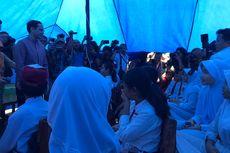 Kemendikbud Beri Bantuan Paket Sekolah dan Tenda bagi SDN 02 Cirimekar