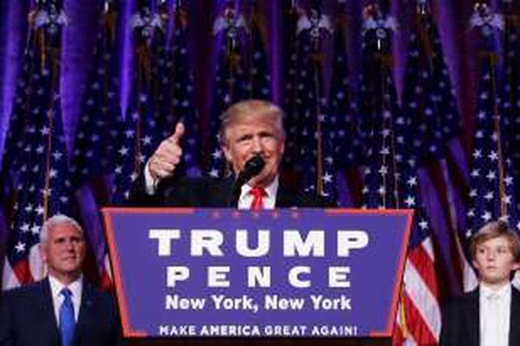 Pemenang pemilu Amerika Serika, Donal Trump, saat memberikan pidato kemenangandi New York City. Trump mengalahkan Hilary Cliton dalam pemungutan suara.