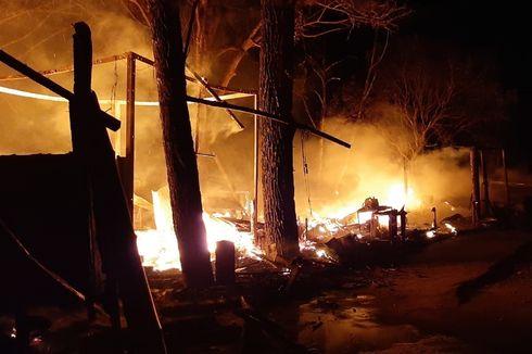 Kawasan Wisata Lawang Park Terbakar, 7 Bangunan Hangus Dilalap Api
