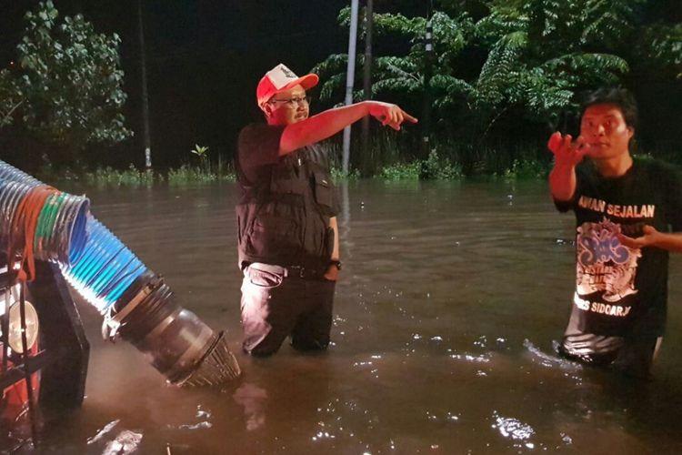 Gus Ipul tinjau banjir Porong Sidoarjo