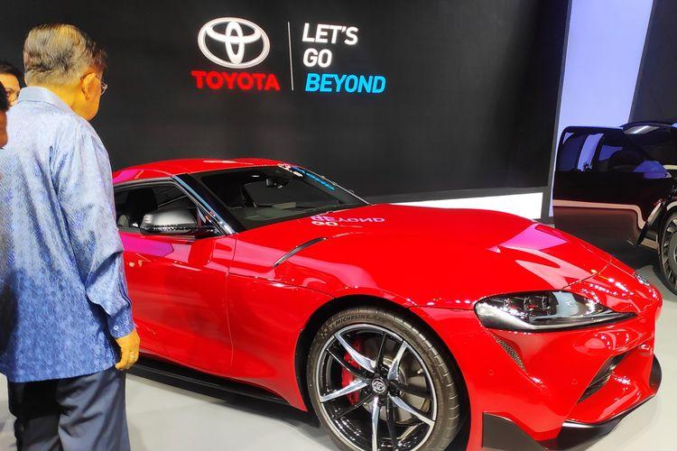 Wapres Jusuf Kalla terkejut dengan banderol mobil baru Toyota Supra di GIIAS 2019.