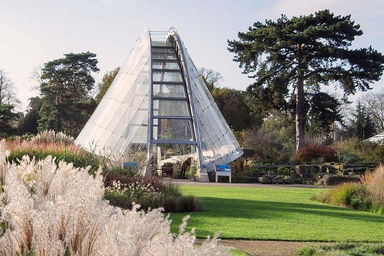 Kew Garden di London, Inggris bisa menjadi taman dengan spot instagrammable.