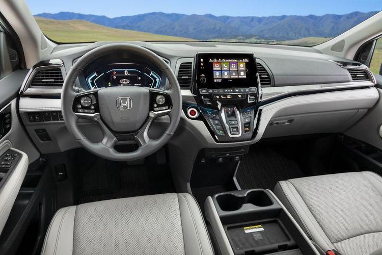 Tampilan dasbor Honda Odyssey USDM generasi kelima facelift