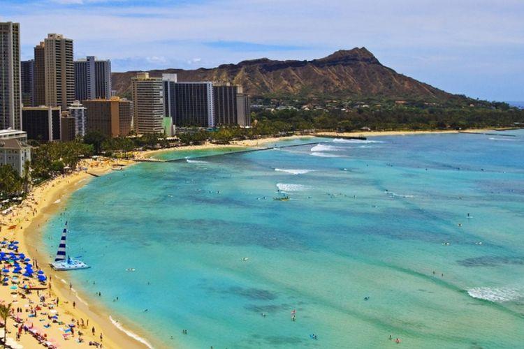 Pantai Waikiki di Hawaii, Amerika Serikat.