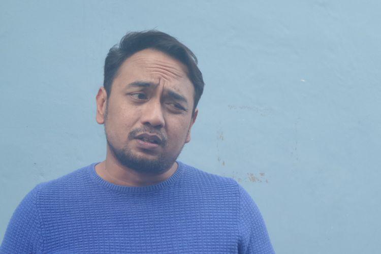 Bebi Romeo berpose di halaman Gedung Trans, Mampang Prapatan, Jakarta Selatan, Rabu (8/8/2018).