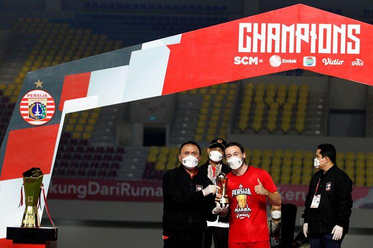 Pemain Persija Jakarta Marc Klok sebagai pemain terbaik Piala Menpora 2021.