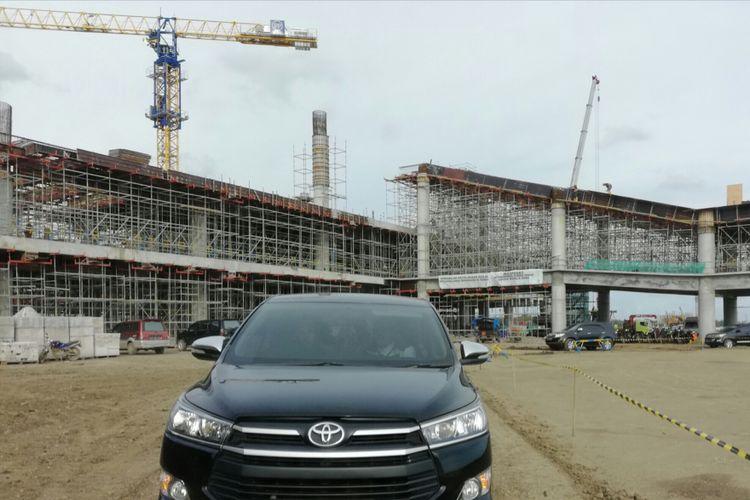 Pembangunan terminal Bandara NYIA di Kulon Progo, DI Yogyakarta. Angkasa Pura I menargetkan sebagian terminal bisa digunakan untuk melayani penumpang pada April 2019 ini.