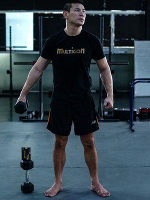 Atlet MMA One Pride Rudy Ahong Gunawan berlatih di di Sparta Training Camp, Pluit, Jakarta, (Minggu/12/1/2020). Rudy adalah juara tiga kali kelas welter MMA One Pride.