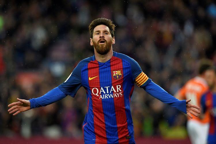 Ekspresi penyerang Barcelona, Lionel Messi, setelah sukses menjebol gawang Osasuna di Stadion Camp Nou pada 26 April 2017.