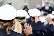 Bagikan Foto Hitler dan Simbol Nazi, Puluhan Polisi Jerman Kena Skors