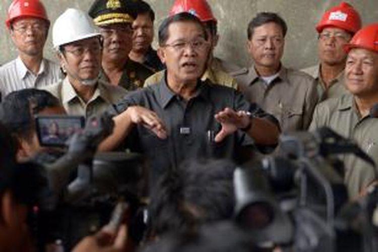 Perdana Menteri Kamboja Hun Sen sudah berkuasa selama 28 tahun.