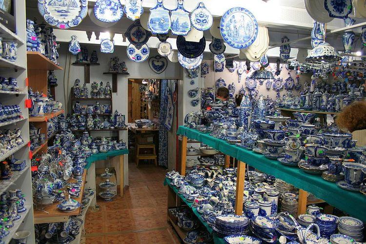 Keramik gzel dari Rusia.