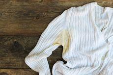 Cara Menghilangkan Noda dan Bau Keringat pada Pakaian