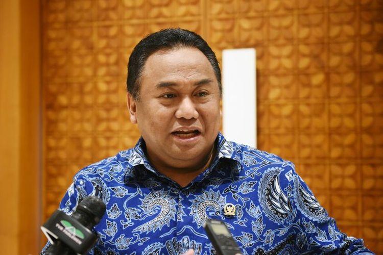 Wakil Ketua DPR RI Rachmat Gobel membuka raker gabungan secara virtual di Gedung Parlemen, Senayan, Jakarta, Selasa (5/5/2020).