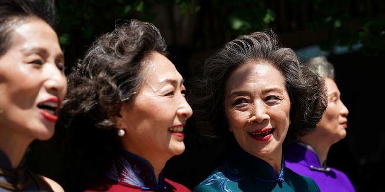 Glamma Beijing yang terdiri dari empat orang mantan model berusia di atas 60 tahun.