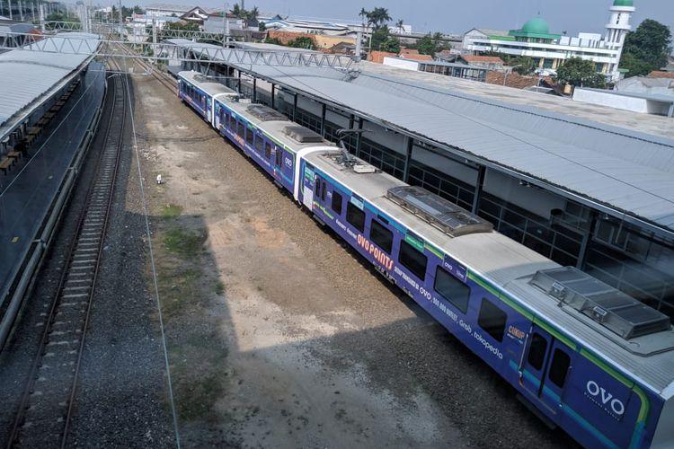Kereta Bandara di Stasiun Batu Ceper, Jumat (29/11/2019)