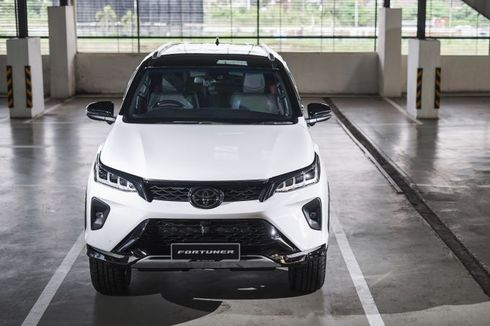 Meluncur di Jiran, Fortuner Facelift Usung Mesin dan Fitur Baru