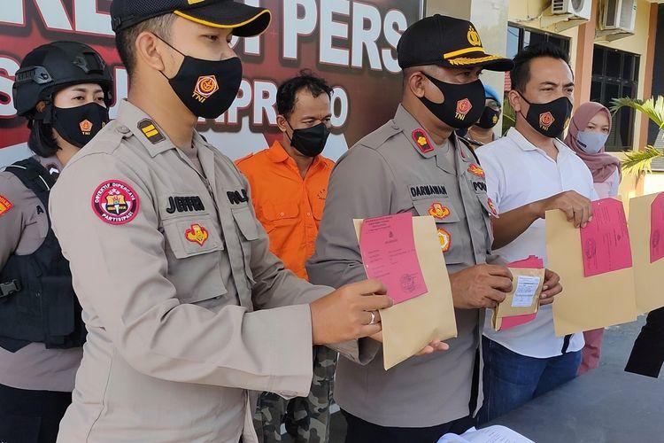 Polres Kulon Progo, DI Yogyakarta, mengungkap kasus incest seorang petani asal Kalurahan (desa) Banaran, Kapanewon (kecamatan) Galur pada anak kandung saat masih remaja pada dulu.