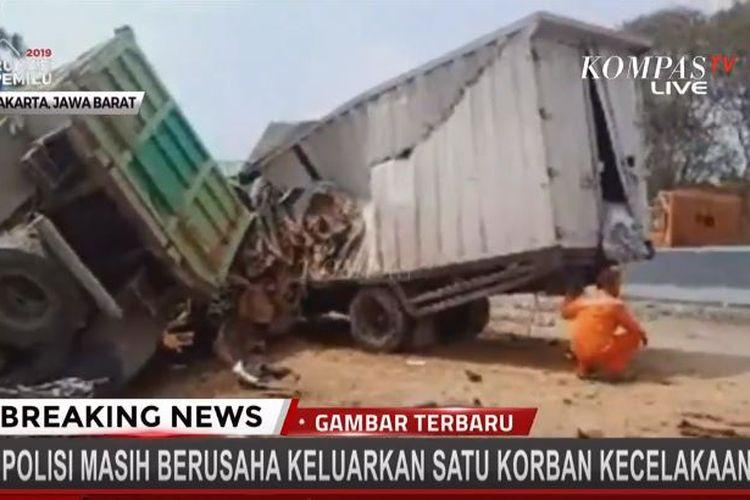 Kecelakaan beruntun di Tol Cipularang, Jawa Barat, Senin (2/9/2019).