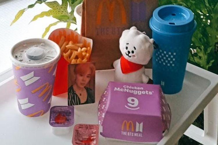 Paket BTS Meal, hasil kolaborasi boyband BTS dengan McD.