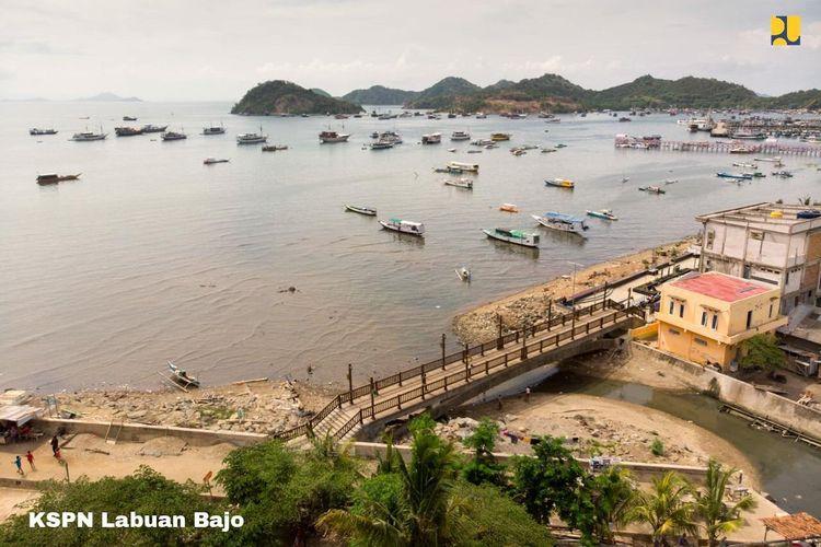 Labuan Bajo, salah satu pariwisata Prioritas Nasional yang digencarkan oleh pemerintah. Kementerian PUPR mengalokasikan anggaran sebesar Rp 8,82 triliun untuk pembangunan yang dilaksanakan sejak 2019 hingga 2021.