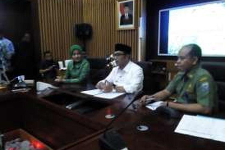 Wali Kota Bandung Ridwan Kamil saat melakukan jumpa pers terkait keputusannya untuk tidak maju di Pilkada DKI 2017.