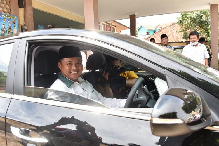 Wagub Jabar dan Mobil Dinas Listrik