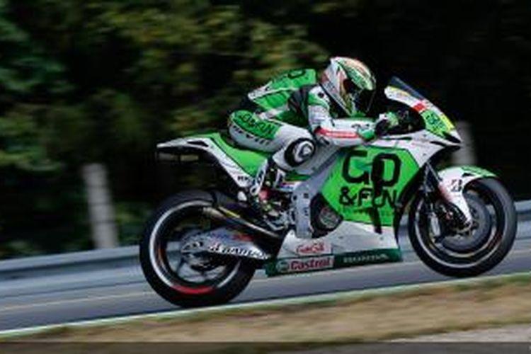 Pebalap Honda Gresini asal Spanyol, Alvaro Bautista, melintasi Sirkuit Brno pada sesi kualifikasi GP Ceko, Sabtu (24/8/2013).