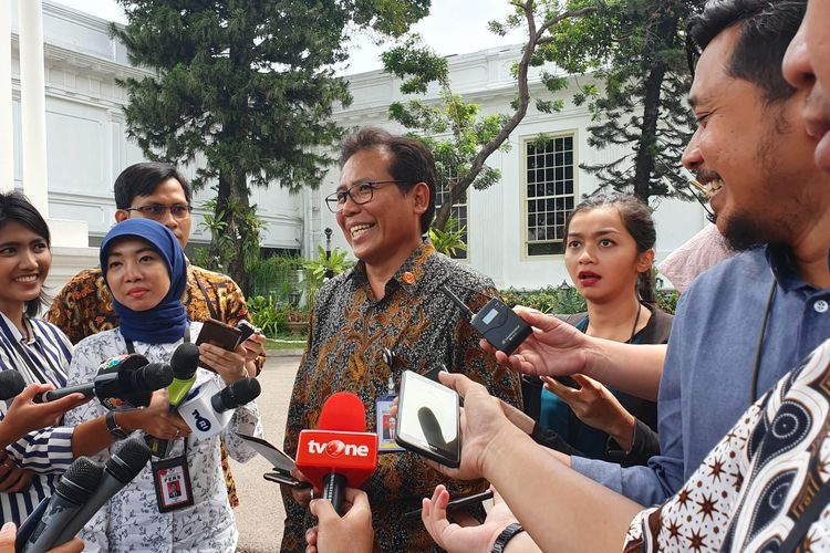 Juru Bicara Presiden Fadjroel Rachman di Istana Kepresidenan, Jakarta, Senin (18/11/2019).